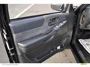 Panel Doors  2001 Chevy Blazer Door Panel
