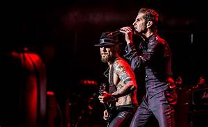 Jane's Addiction Play Jack's 11th Show at Irvine Meadows ...