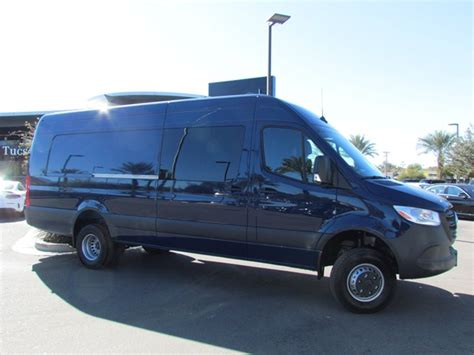 Gain insight into the 2019 sprinter 3500xd from a walkaround and road test to review its drivability, comfort, power and performance. New 2019 Mercedes-Benz Sprinter Crew 3500XD - S1900500 | Mercedes-Benz of Tucson