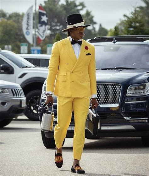 Cam Newton arrives in style as he helps New England ...