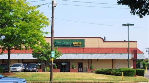 restaurants in garden city ny tin alley grill in garden city ny photo address