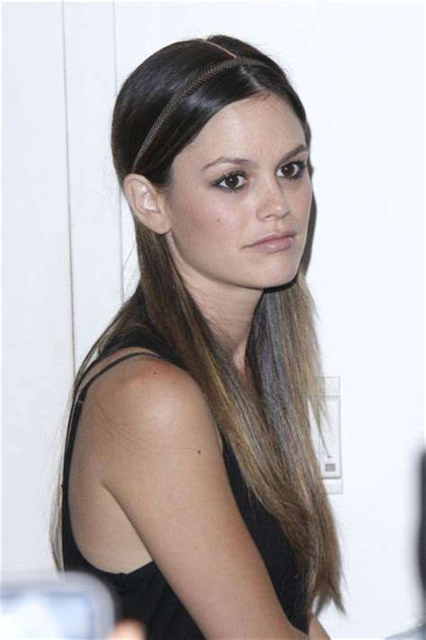 Rachel Bilson: Sleek Hair, Skinny Headband   StyleNoted