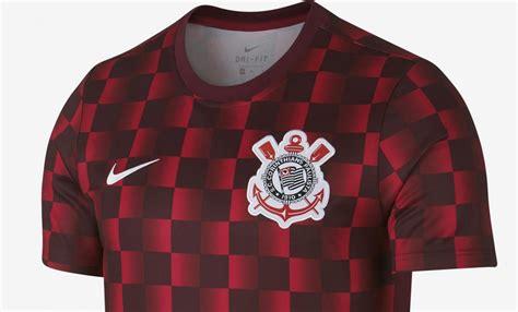 Corinthians elege seus jogos mais marcantes nos 80 anos do pacaembu. Camisa pré-jogo quadriculada do Corinthians 2019 Nike | Mantos do Futebol
