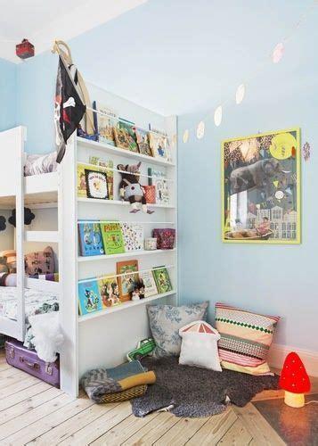 coin lecture chambre montessori aménagement d 39 un coin lecture dans une