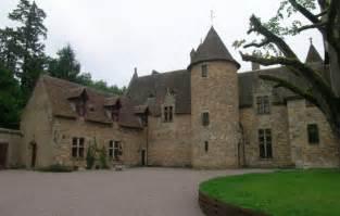 chambres d hotes allier 03 chambre d 39 hôtes chateau de peufeilhoux à vallon en sully