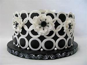 Birthday Cake Black And White and Cute | Birthday Cakes ...