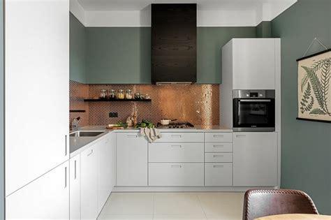 cuisine cuivre dosserets de cuisine en cuivre pour embellir intérieur
