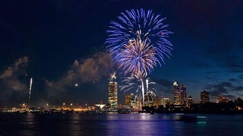 Riverwalk Boat Tours Rentals by Riverwalk Boat Tours Is Best Riverboat Cruise In Milwaukee
