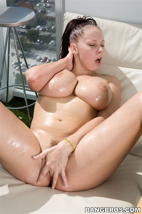Gianna Michaels Needs Sex All The Time Milf Fox