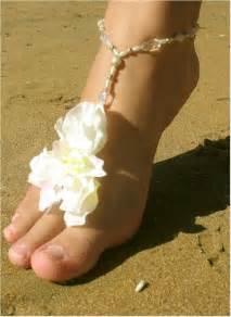 barefoot weddings magnetic island weddings ceremony help line barefoot wedding shoes barefoot