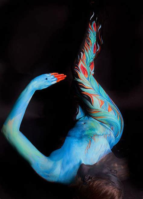 beautiful animal body painting  gesine marwedel design swan