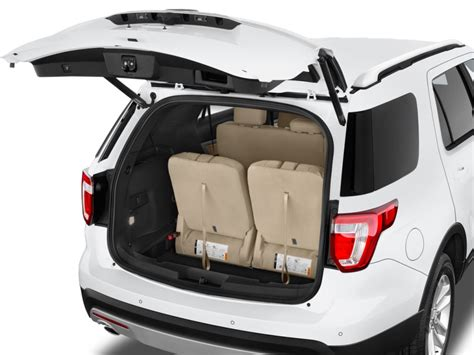 Image: 2017 Ford Explorer XLT FWD Trunk, size: 1024 x 768