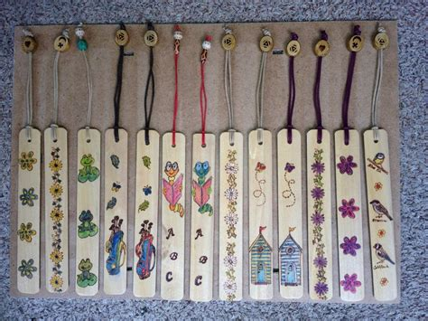 book markers    venetian blinds recycle