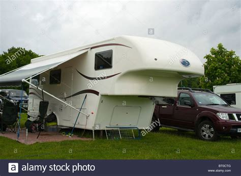 Fifth 5th Wheel Co Trailer Caravan Roll Out Awning Stock