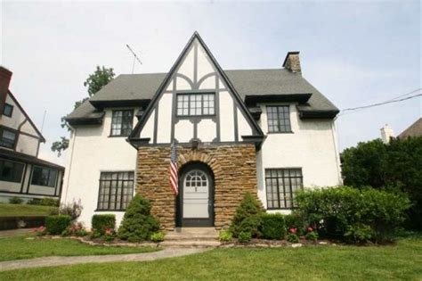 The Tudor Colonial Gets Curb Appeal