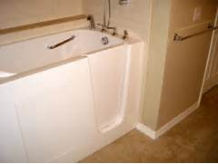 The Best Walk In Shower And Bath Combinations Walk In Tubs Showers And Tubs Best Walk In Tub Shower Combo TL2