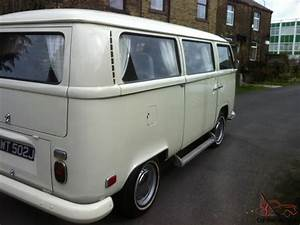 Volkswagen Bay Window Bus Kombi 1971 Low Light