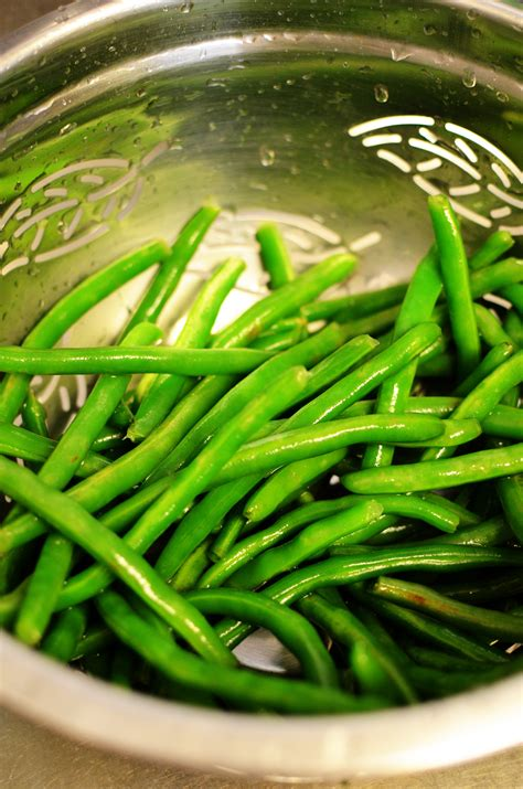 blanched green beans saut 233 ed garlic green beans sprig and flours