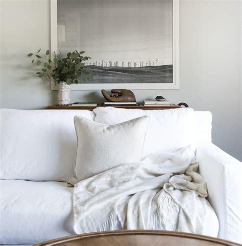 white slip covered sofa how we choose white slipcovered sofas room for tuesday