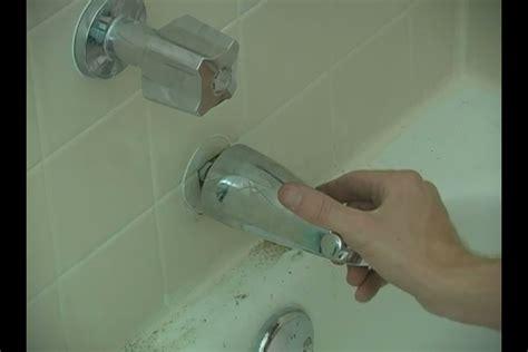 fix  leaky bathtub faucet spout ehow