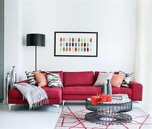 les 25 meilleures idees de la categorie canape rouge sur With tapis rouge avec couverture canapé cuir