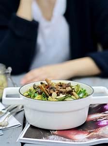 Wie Gesund Ist Spargel : die spargel saison ist er ffnet cremige knoblauch sauce mit spargel pilzen mandel crunch ~ Frokenaadalensverden.com Haus und Dekorationen