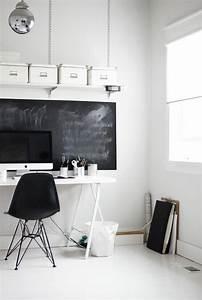 Grande Ardoise Murale : l 39 ardoise murale noire un objet de d co pour votre int rieur ~ Preciouscoupons.com Idées de Décoration