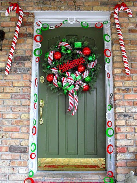 winning christmas door ideas 50 best door decorations for 2017