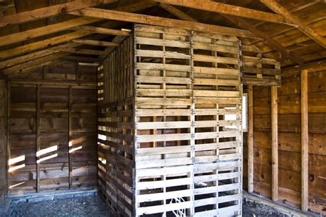 sheds plans  guide   shed   pallets