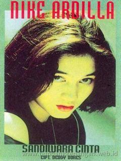 Lagu deddy dores terbaru gratis dan mudah dinikmati. ALBUM NIKE ARDILLA - SANDIWARA CINTA (1995) ~ Galihhouse