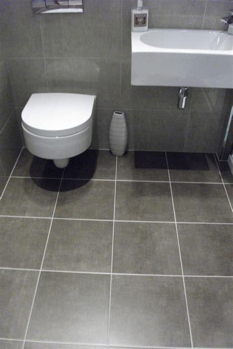 grey floor tile bathroom peenmedia com
