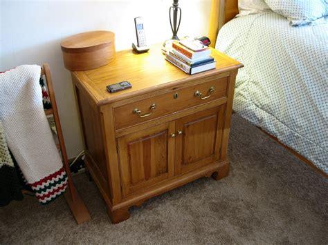 plans  build  woodworking plans  bedside table