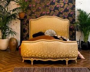 Lit Style Baroque : lit baroque lit corbeille ancien style baroque ann es 50 1950 satin couleur ivoire ~ Teatrodelosmanantiales.com Idées de Décoration