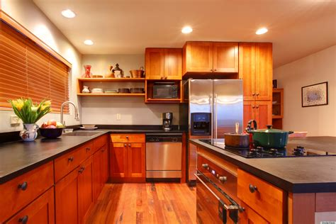 easy way to clean kitchen cabinets clean your kitchen ceiling to remove cooking grime huffpost 9640