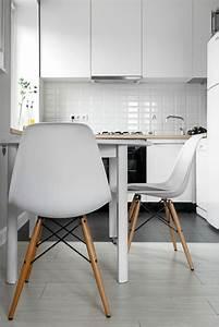 Super inspirierende kuchenstuhle schicke und modern for Wei e küchenstühle
