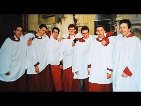 Eddie Redmayne •God is With Us• Eton College Choir - YouTube