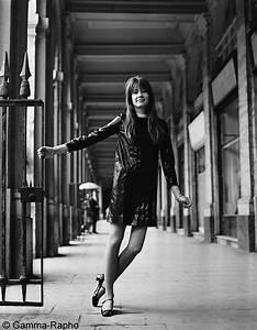 Françoise Hardy en mini-robe noire - Françoise Hardy, une ...