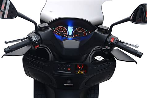 Water Scooter Fuel Consumption by Sport Good Quality 150cc Gas Scooter 250cc 300cc