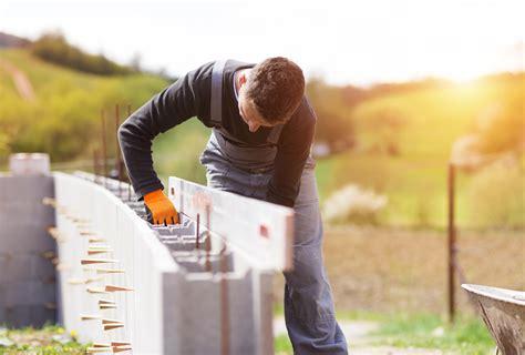 Faire le ferraillage d'une dalle de béton. Chaînage vertical : définition et mise en œuvre - Ooreka