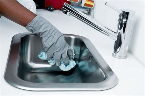 simple guide  kitchen cleaning chemicals