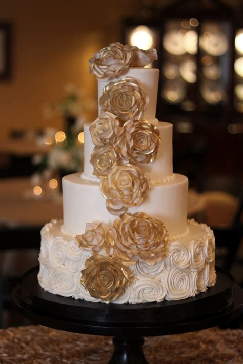 Gold And Ivory Wedding Cake Details Weddings And Events