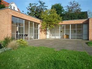 Villa Mies Van Der Rohe : file mies van der rohe haus berlin wikimedia commons ~ Markanthonyermac.com Haus und Dekorationen