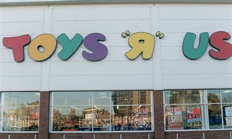 Toys R Us Plans To Close At Least 26 Uk Stores