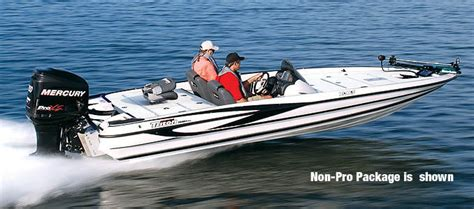 Saltwater Bass Boat by Research 2009 Triton Boats 20x3 Pro Non Skid On Iboats
