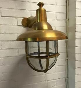 Lampen Für Die Wand : eine wunderbare lampe f r den eingang als nostalgie beleuchtung mit charme ~ Markanthonyermac.com Haus und Dekorationen