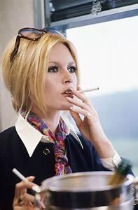 How to dress like Brigitte Bardot | Dress like a parisian  Brigitte