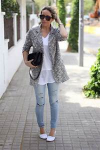 Outfits Con Jeans Claros Rotos