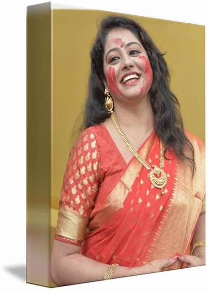 Saree Bengali Woman Smiling Shyamal Dam