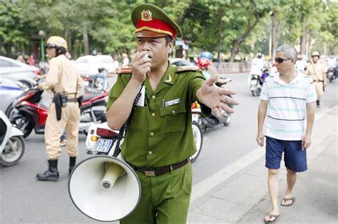 la policia disuelve las protestas antichina en vietnam