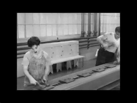 De Charlot à Chaplin  Les Temps Modernes Youtube